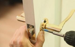 Как правильно врезать замок в межкомнатную дверь своими руками и ничего не испортить